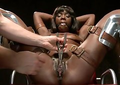 bondage sex videos - black girls eating pussy