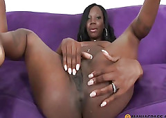 naked girls - black women having oral sex